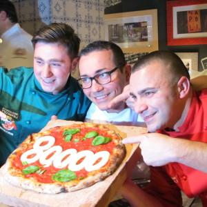 Oliva, Sorbillo e Civitiello all'arrivo delle 80000 firme
