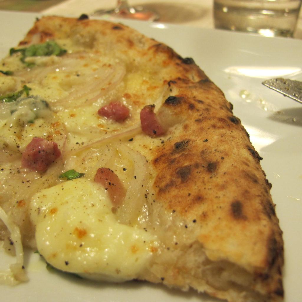 la pizza di Sorbillo foto mp