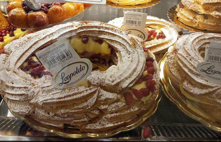 il delizioso Zeppolone, tra i dolci di Leopoldo